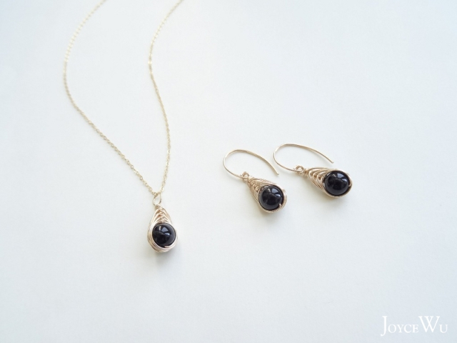 ::Mediterranean Eyes:: Black Onyx Herringbone Wire Wrapped Charm 14K GF Necklace